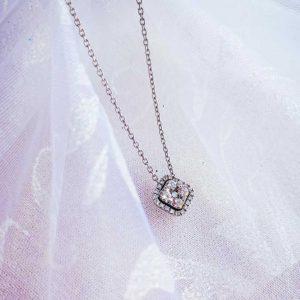 punto luce con diamanti